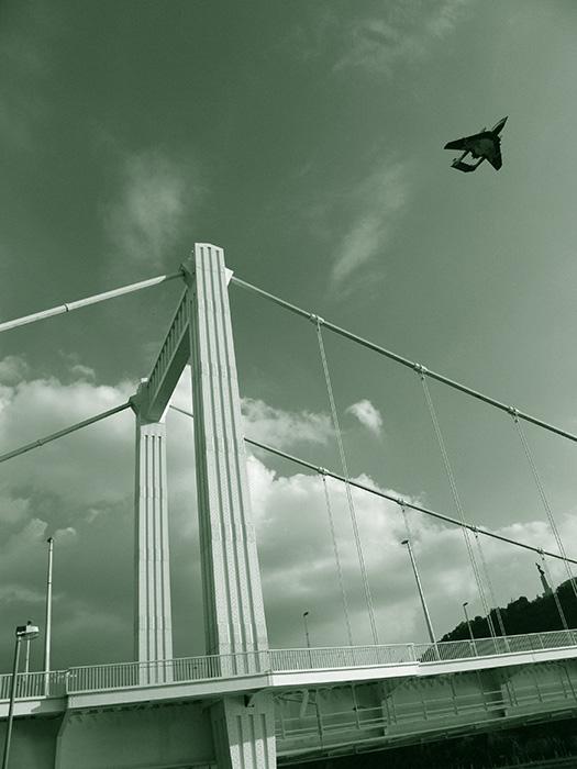 Híd és repülő