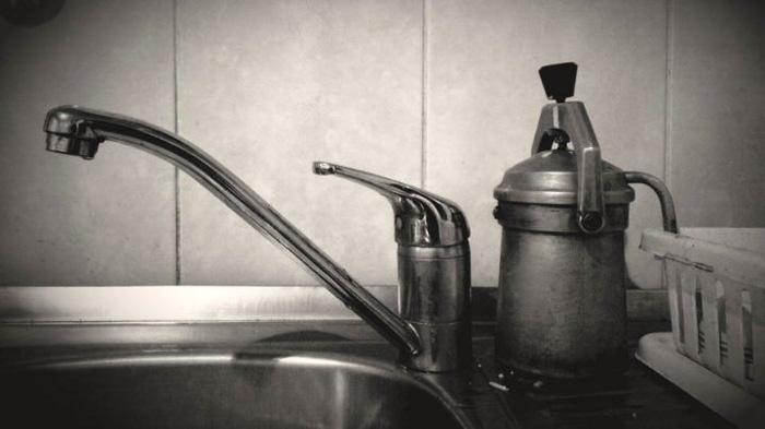 vízcsap és kávéfőző