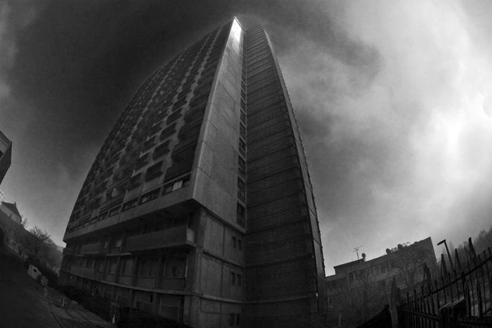 Nagy, ronda épület