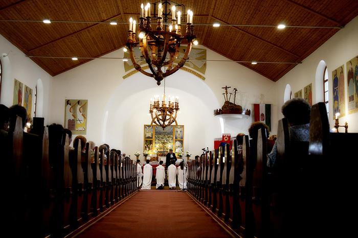 Pünkösdkor a templomban