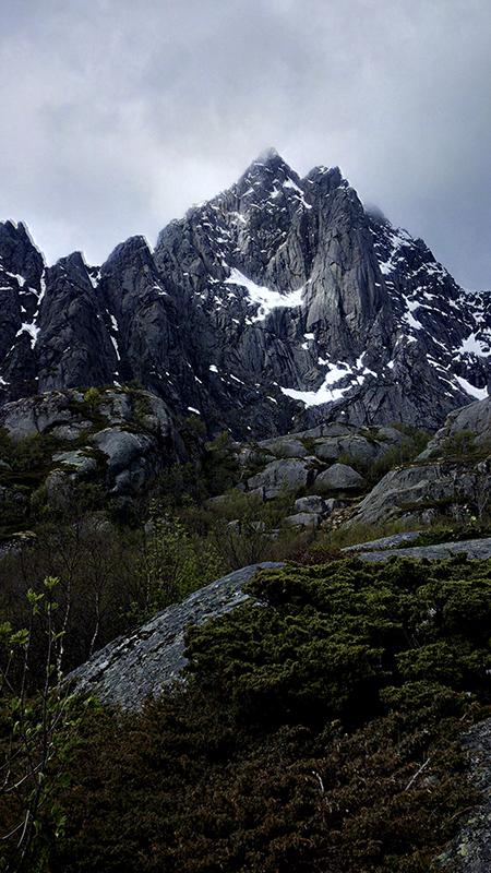 még mindig hegyek