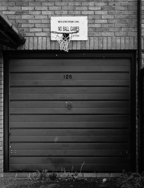 P366/002 - Labdajáték tilos