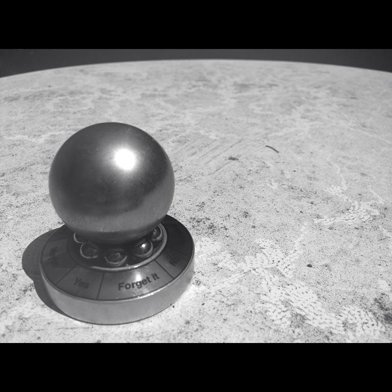 PAZ365/4 - Man on the Moon