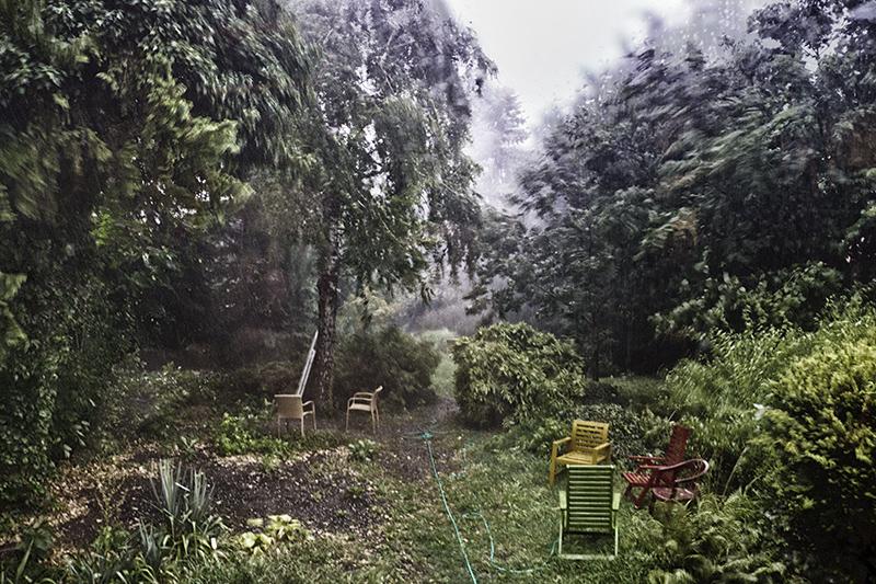 Vihar a kertben