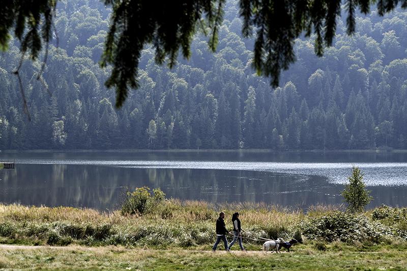 Képeslap a Szent Anna-tóról