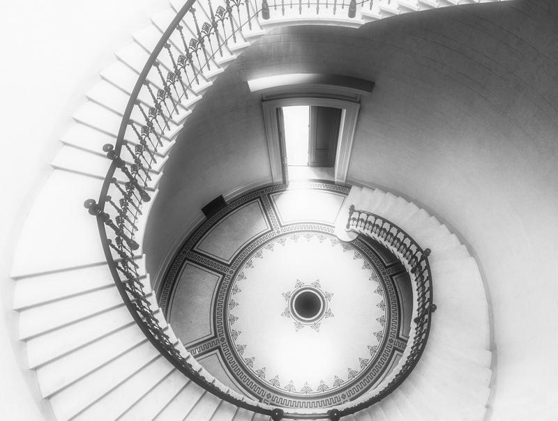 Lépcsőház II.