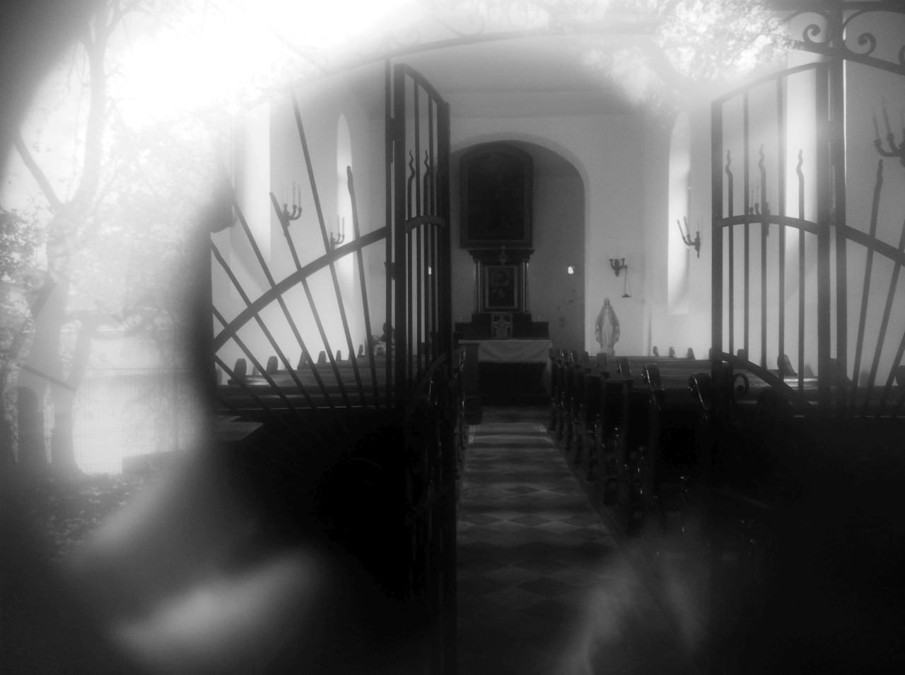 365/129 - Templom