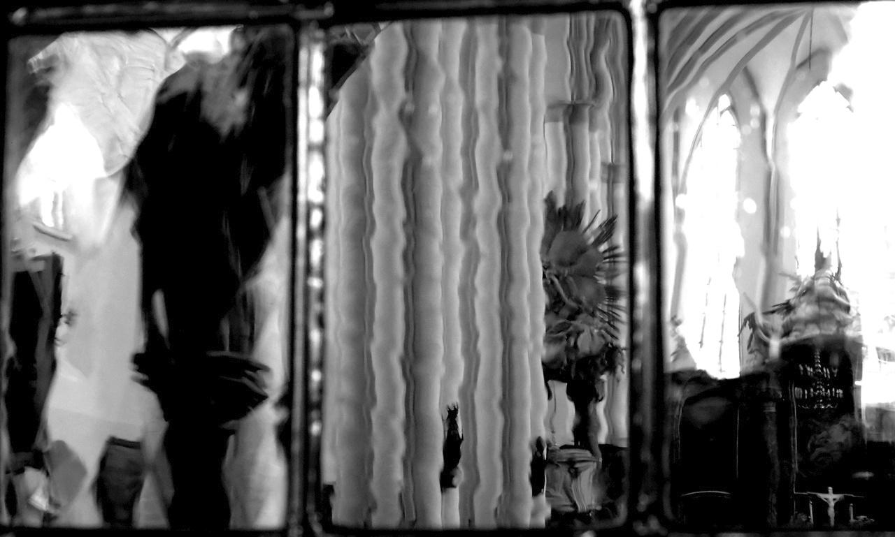Tükör által