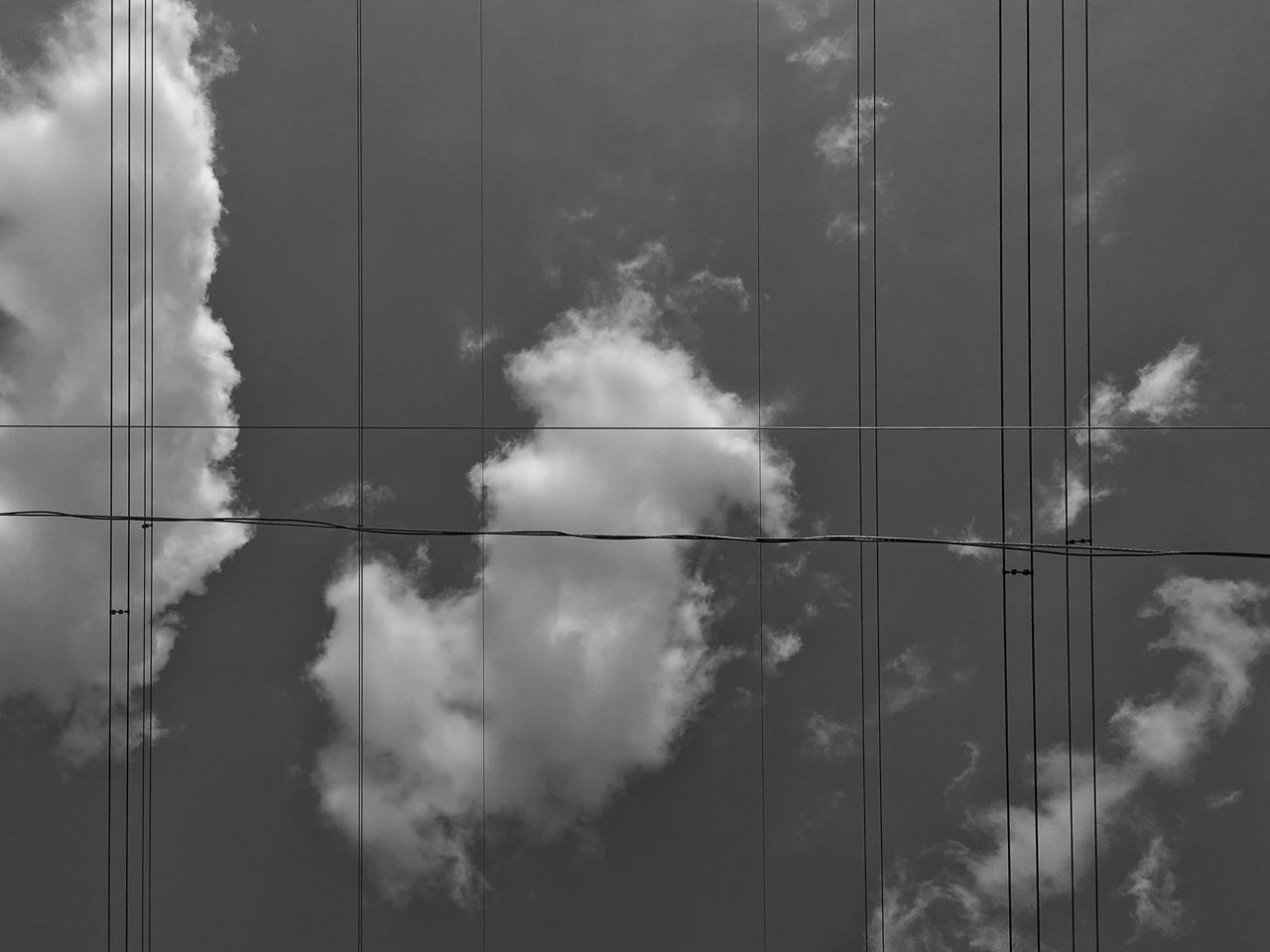 az egyenesek és a végtelen/véletlen