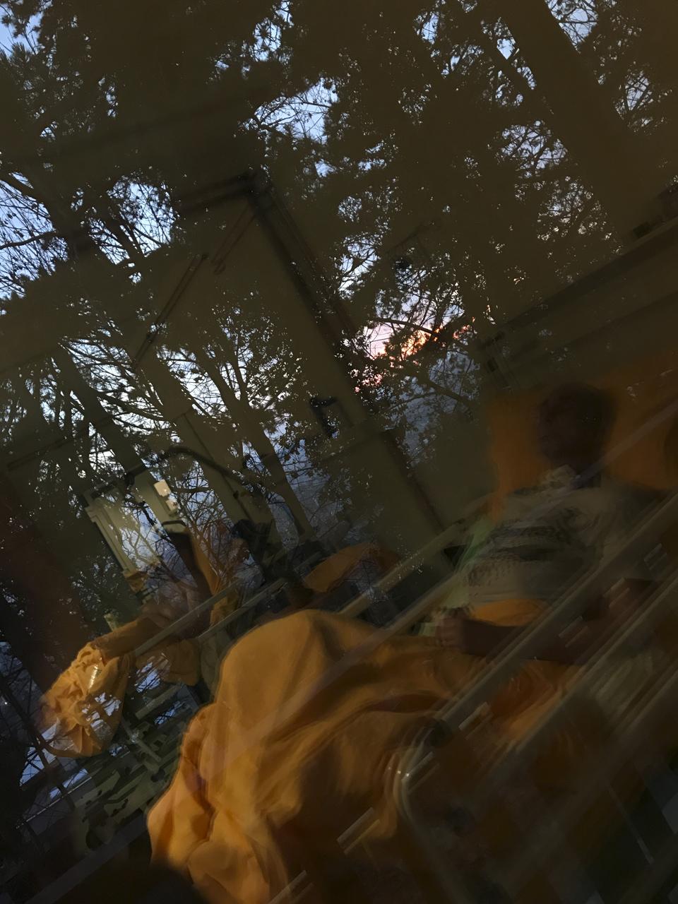 Fény árnyak tükör naplemente remény-telenség