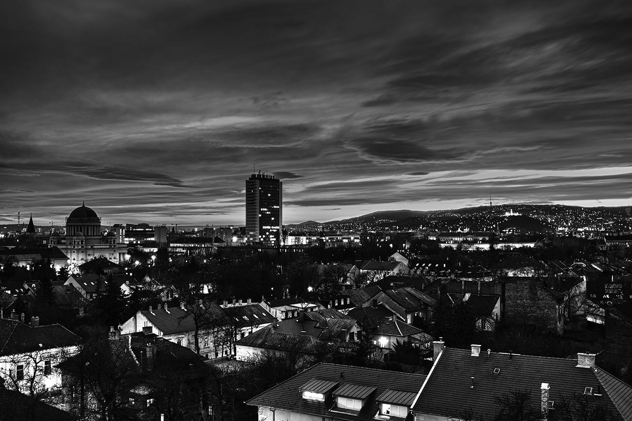 Esti város