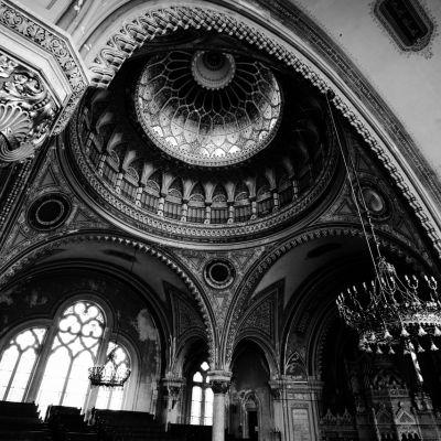 Formák és fények - Szegedi Zsinagóga
